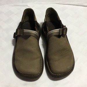 Chaco Leather clog sandals Woman's Size 7😊